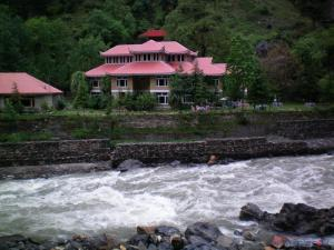 Arcadian Khanian Kaghan Valley